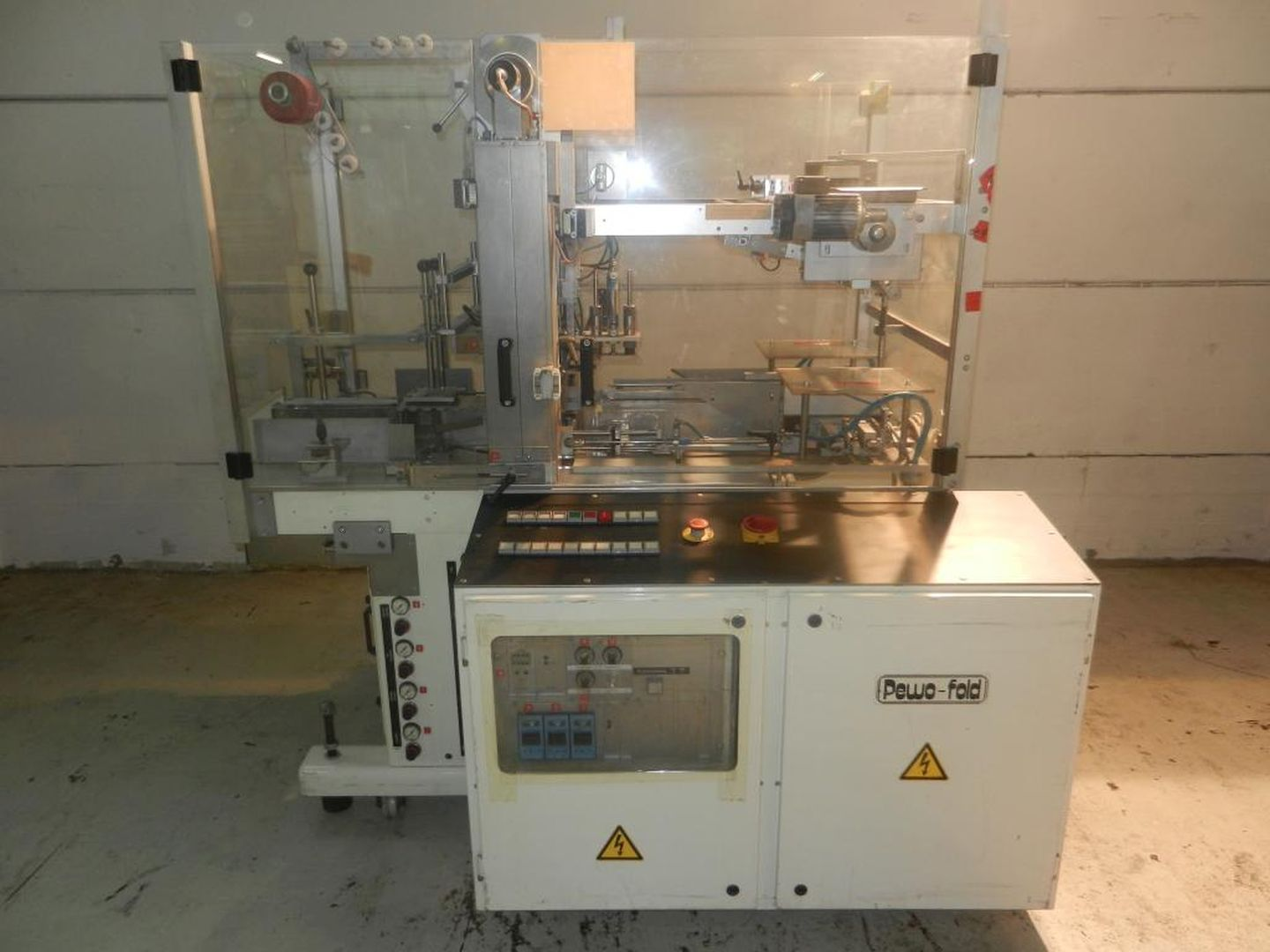 Film Wrapping Machine for pharma single and multipacks